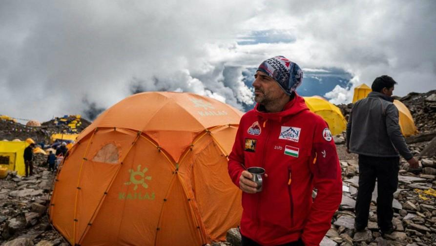 Varga Csaba a Mount Everest meghódítására indul