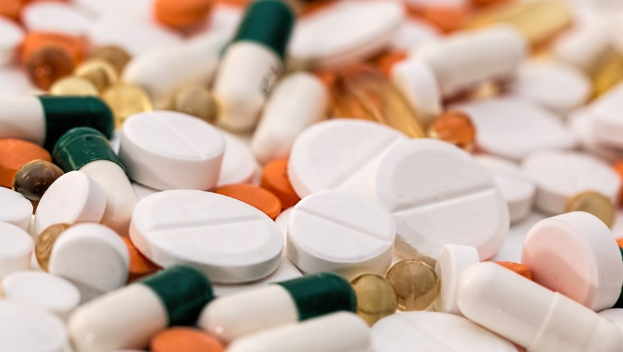 Engedély szükséges a rendelvény nélkül kiadható gyógyszerek külföldi forgalmazásához is