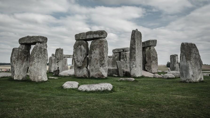 Úgy tűnik, mintha a kövek örökké állnának, de Stonehenge is sérülékeny