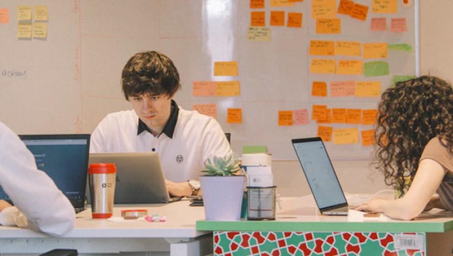 Sok fiatal a járvány miatt veszítette el a munkáját, de közel felük már talált új állást